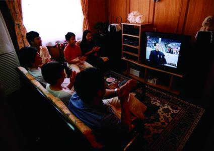 90年代家庭娱乐 /1999年10月7日 俞新宝 摄影