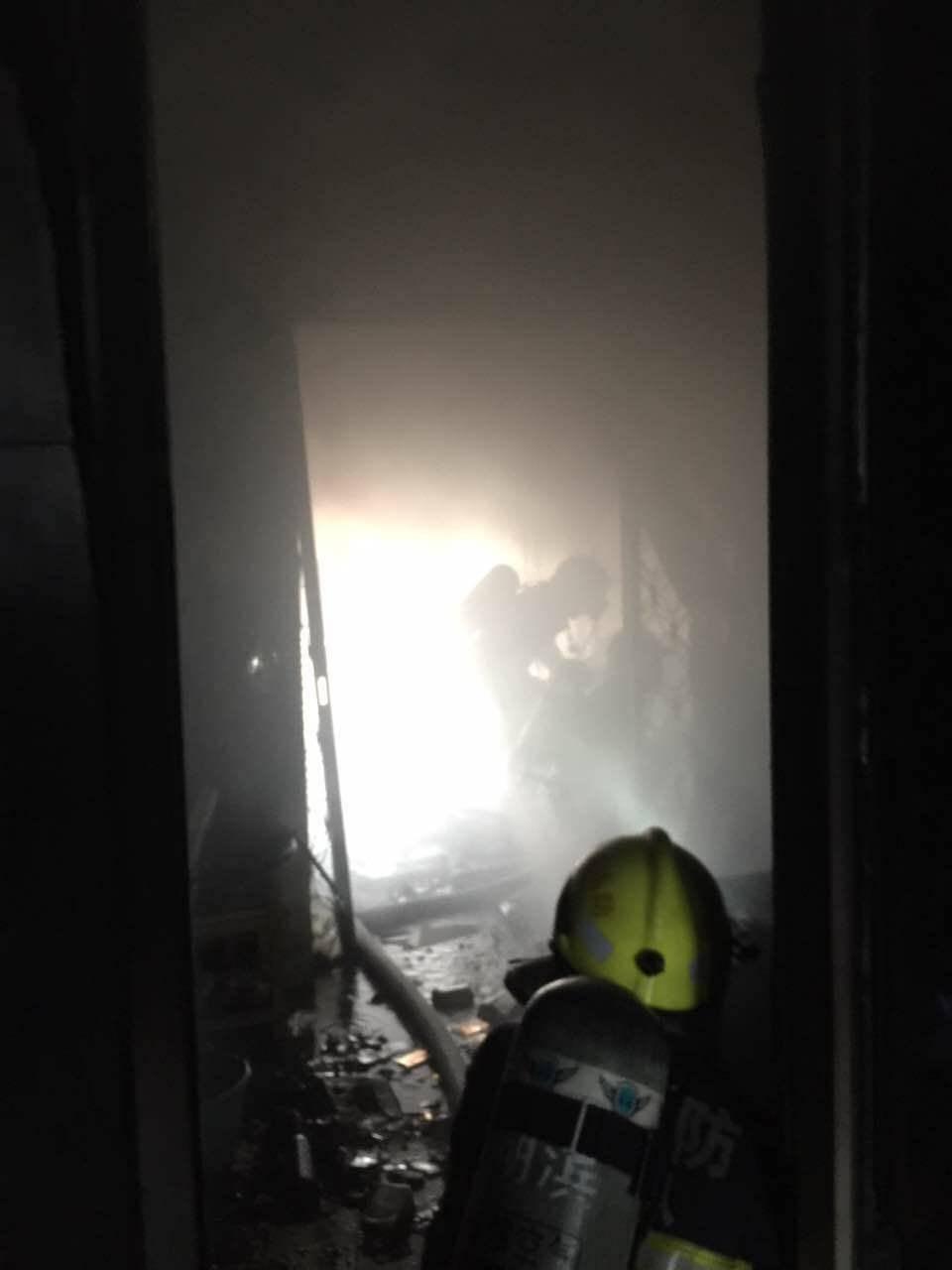 火灾救援现场。受访者供图