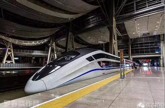 京沪新卧铺动车组上线 夕发朝至动卧票价650元