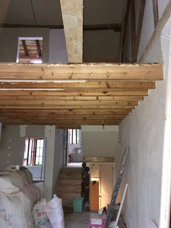保护建筑内搭建的四层。