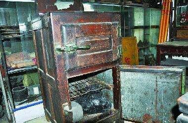 民俗馆藏着木制冰箱
