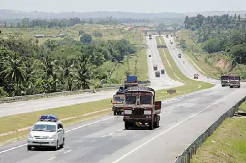 印度媒体称,除了BBIN的公路互联,印度还希望实现铁路互联,甚至空中互联。