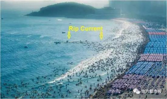 2012年8月4日,韩国釜山,海云台海水浴场发生离岸流,前来避暑的143名游客被水流卷走。