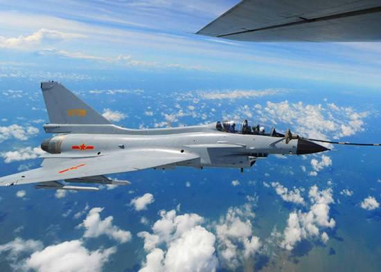 材料图:中国歼-10战机。