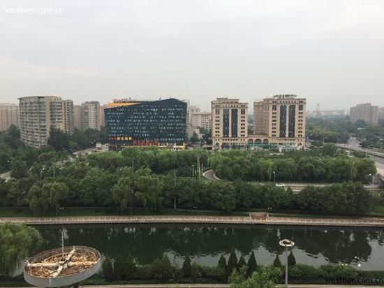 北京雨后,空气清新,凉爽宜人(图/江南)