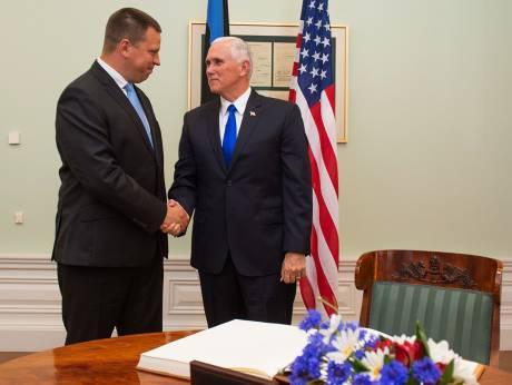 图:爱沙尼亚总理于里・拉塔斯与美国副总统迈克・潘斯
