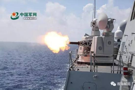 (柳州舰副炮射击)