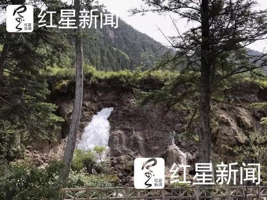 2017年8月10日,垮塌后的九寨沟诺日朗瀑布红星新闻记者刘海韵王勤摄