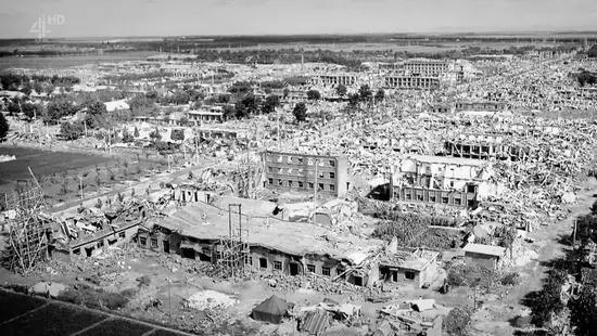 建成600多年以来,紫禁城经历了200多场、极具破坏性的地震,但每一次都能全身而退,在风雨之中屹立不倒。