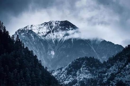 达戈山海拔4106米