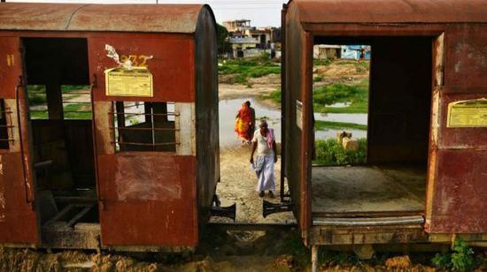 尼泊尔昔日之一座铁路重镇现在已破败不胜。