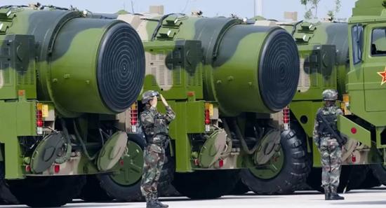 ▲东风-31AG洲际导弹(俄罗斯卫星网)