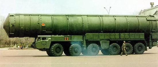 ▲东风-41型洲际导弹