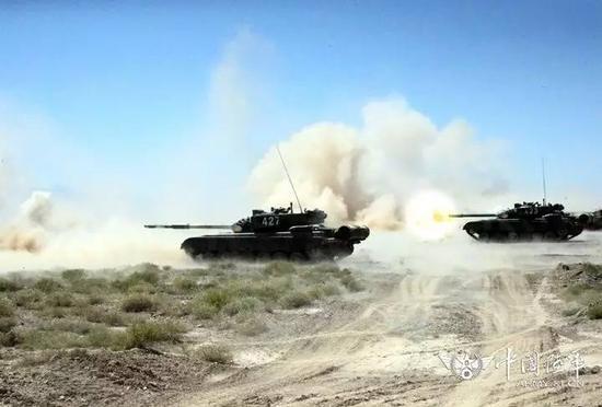 ▲第76团体军某旅日前在祁连山要地,睁开一场高原山地条件下之防御战役演练。(中国军网)