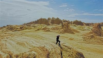 7月31日,冷湖行政委员会水鸭子墩独立自然区。