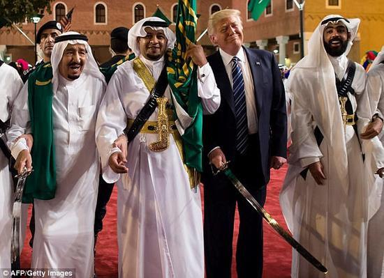 今年5月特朗普出访沙特,为其就职美国总统以来的首次出访。
