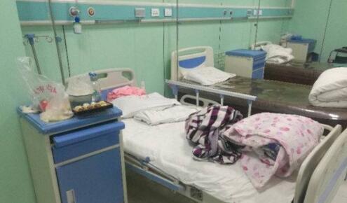 △图为待产妊妇所住病房。图片来源:法制日报微信