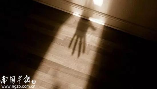 广西平南多名女童遭猥亵,报警女教师遭打击报复,教育局局长等11人被问责
