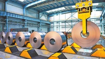 安阳钢铁团体有限责任公司努力推进工业结构和产物结构调整,供应端质量连续改善,高效订单比例凌驾50%,直供比例到达35%。殷海民摄