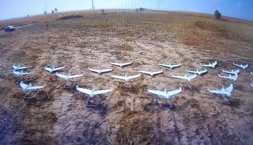 中国电子科技团体展示的无人机编队(资料图片)