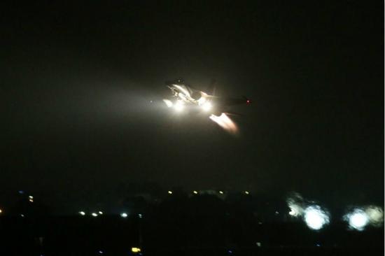 台空军IDF战机曾展示夜航训练。(图片来源:台湾《联合报》资料图)
