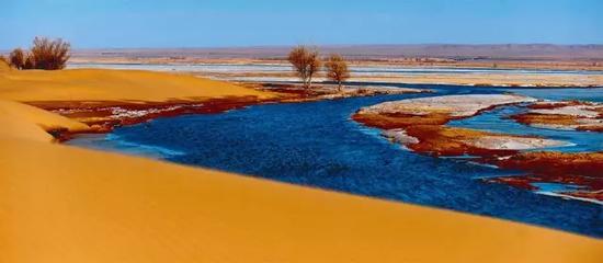 内蒙古磴口县刘拐沙头,黄河在乌兰布和沙漠边缘清静缓流(2011年3月摄)任军川