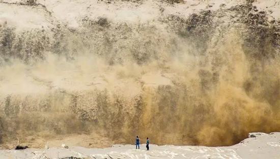 黄河壶口瀑布于7月27日迎来今年最大洪峰张蕴强摄
