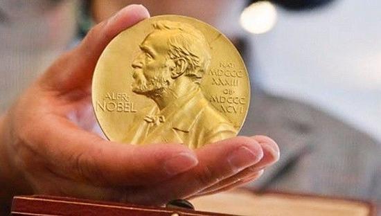 一个重要的原因是在1968年,诺贝尔奖官方规定,任何奖项的获得者都不得超过3人。