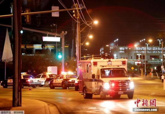 根据通报,枪手是拉斯维加斯当地人,不过警方尚未公布此人身份。