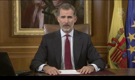 """西班牙国王菲利普六世(FelipeVI)就泰罗尼亚""""独立公投""""发表电视讲话(BBC截图)"""