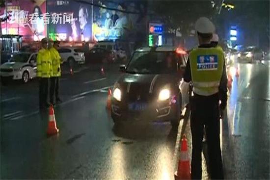 男子酒后挪车被判酒驾 交警:只要车动了就算