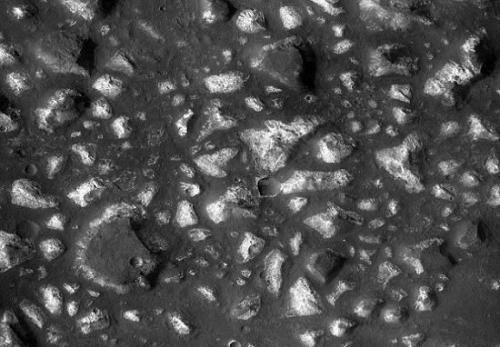 """火星""""海底""""发现37亿年前热液沉积物,或为研究地球生命起源重要线索。(图片来源:NASA)"""