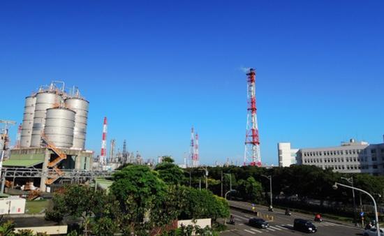 台湾林园工业区包商疑遭流弹打伤。(图片来源:台媒)