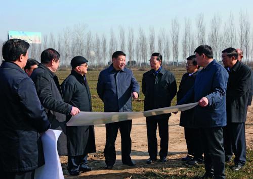 2017年2月23日,中共中央总书记、国家主席、中央军委主席习近平在河北省安新县考察雄安新区规划设计工作。 图 新华