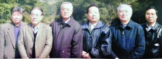 5年前,宁津生80岁寿辰时,6位院士合影,左起张祖勋、刘经南、宁津生、李德仁、陈俊勇、龚健雅