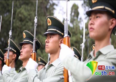 天安门国旗护卫队队员正在进行训练。资料图