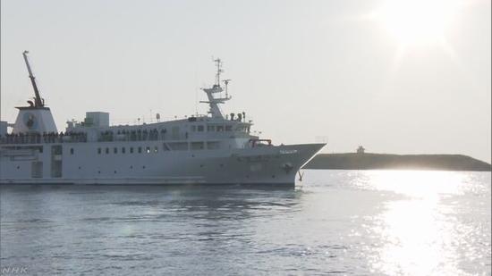 日本官民考察团赴俄日争议岛屿考察