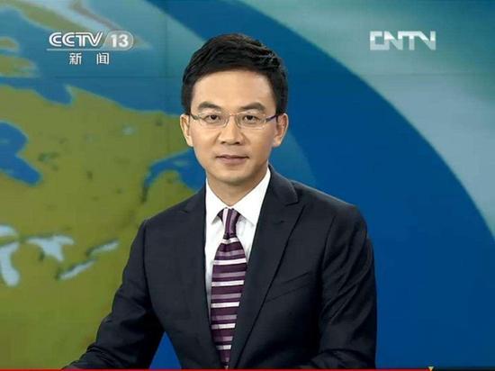 央视前主播郎永淳被传酒驾遭拘 曾主持新闻30分捉妖抓牛直播