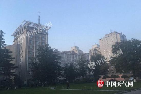 明天凌晨的北京晴空万里。