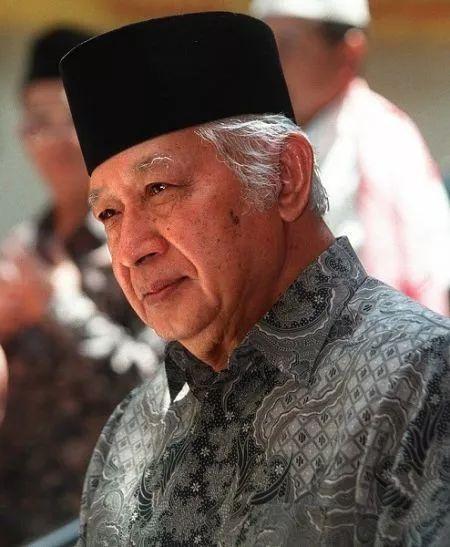 诬陷中国勾结美国 当年印尼自导自演阴谋被曝光