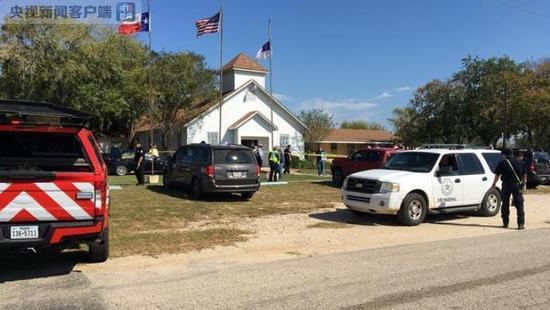图片来自ABC news,图片中的房子为枪手行凶的教堂