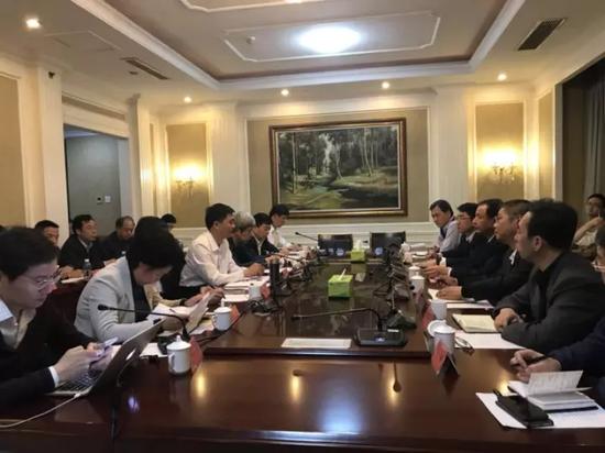 陈刚会见教育部副部长孙尧一行,并就雄安新区教育规划等问题进行座谈。刘烨摄