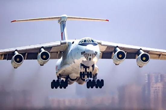中国空军伊尔-76运输机。杨盼 摄