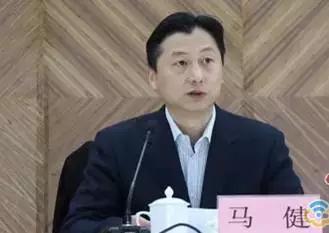 原任江西省团委书记曾萍,出生于1971年。她于去年9月转任江西省新余市委副书记至今。