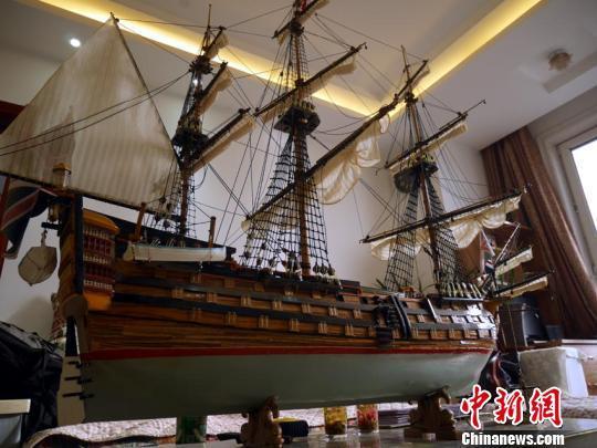 """最大的一艘战船""""胜利号""""长1.5米。 苍雁 摄"""