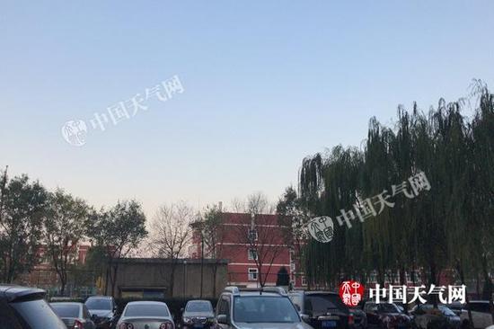 今天早晨,北京天气晴好,但体感严寒。(图/李宇晴)