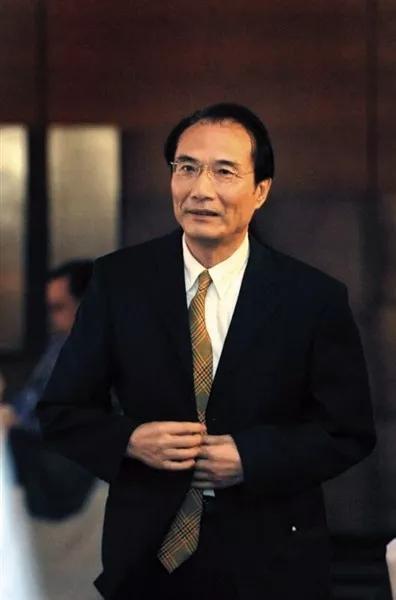 夏斌 国务院参事、国务院发展研究中心金融研究所名誉所长、中国首席经济学家论坛主席。受访者供图