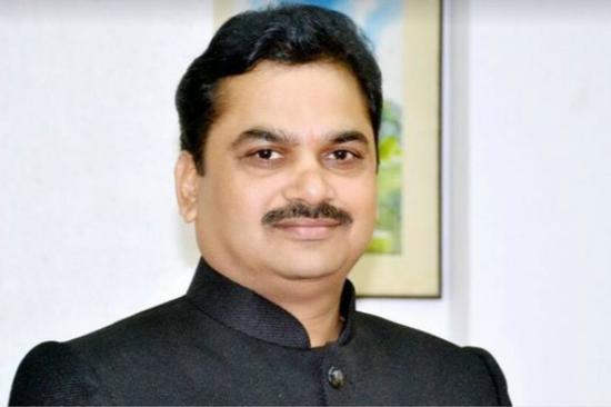 印度马哈拉施特拉邦(Maharashtra)水利部长辛德(Ram Shinde)(图片来源:BBC)