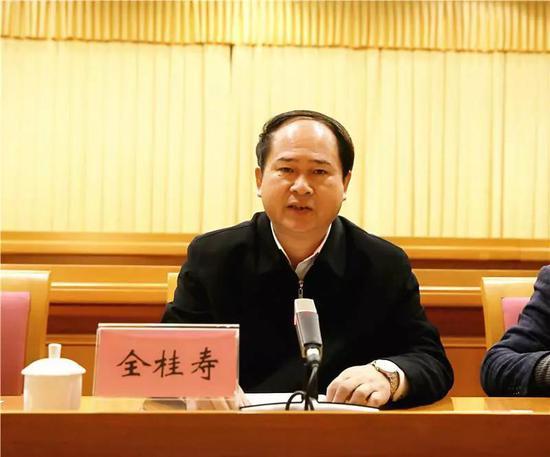 新菲娱乐 离京之际,光头警长刘sir透露这个大心愿……