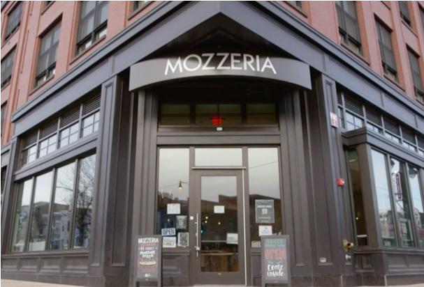 美国华盛顿一披萨店成亮点:员工均为听障人士